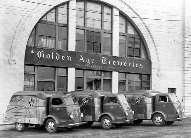 1939 International D-300 delivery trucks owned by Golden Age Beer