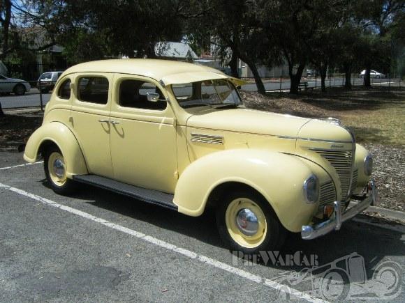 1939 Plymouth P8 Sedan