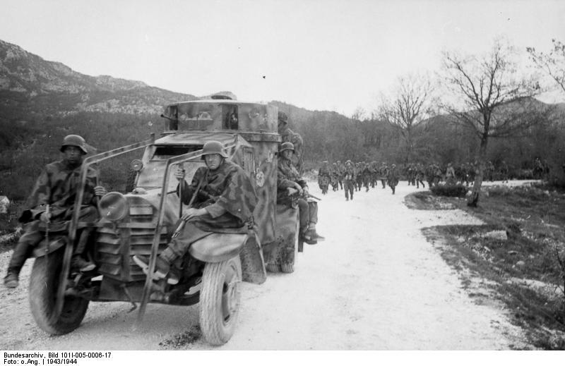 Jugoslawien, italienischer Panzerspähwagen