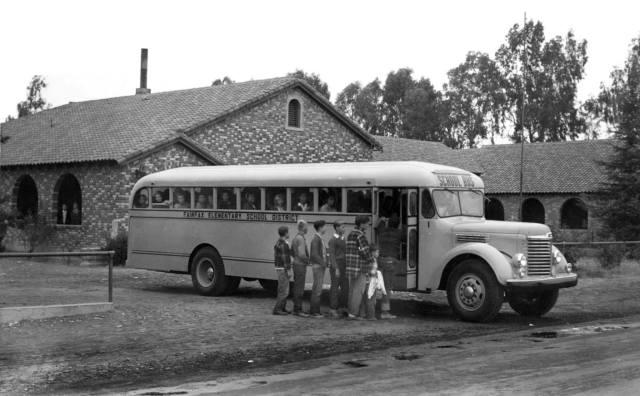 1948 International KB-8 school bus