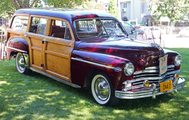 1948 Plymouth Special De luxe Woody (front left)