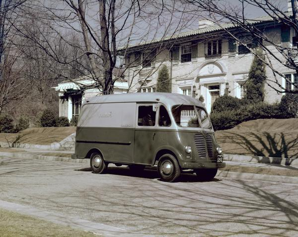 1950 International Metro Trans delivery truck for Thalimers' Department Store