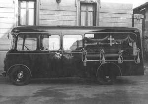 1951 Autobus Lancia Beta e coppia di autofunebri a