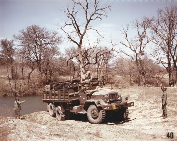 1952 international M-139 Transporting Bridge-Building Unit