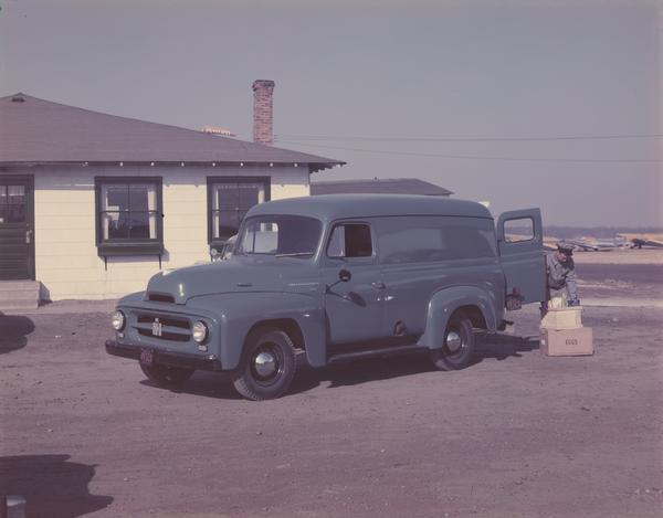 1952 International R-110 Panel Truck
