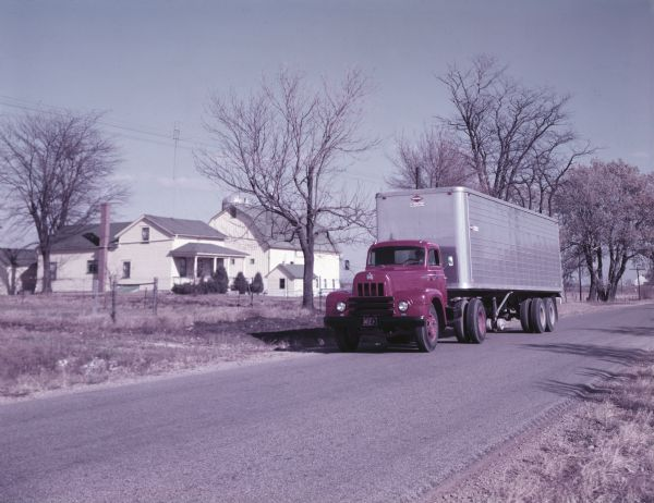 1953 International Harvester R-195 semi-truck outfitted with a Space Saver cab