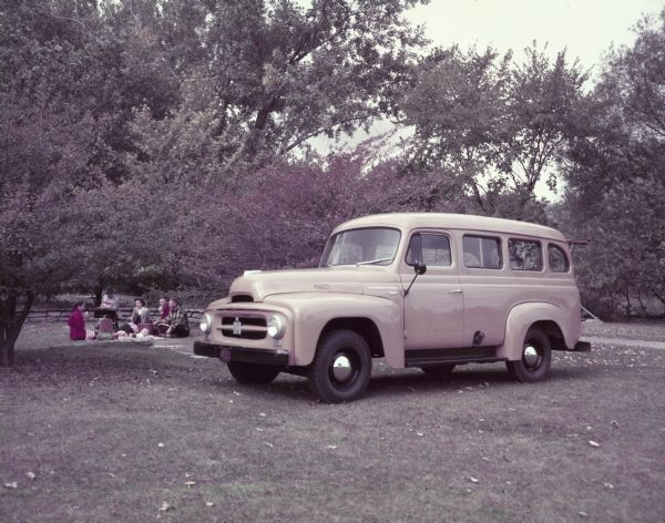 1953 International R-110 Station Wagon
