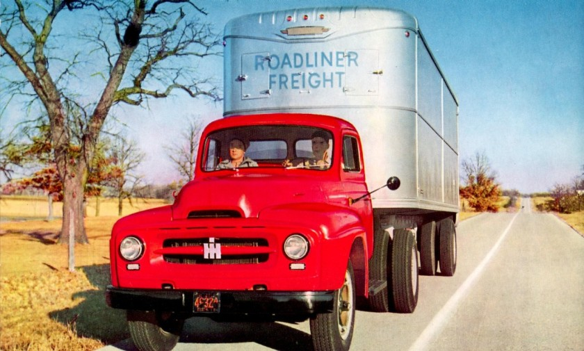 1953 International R-165 Roadliner