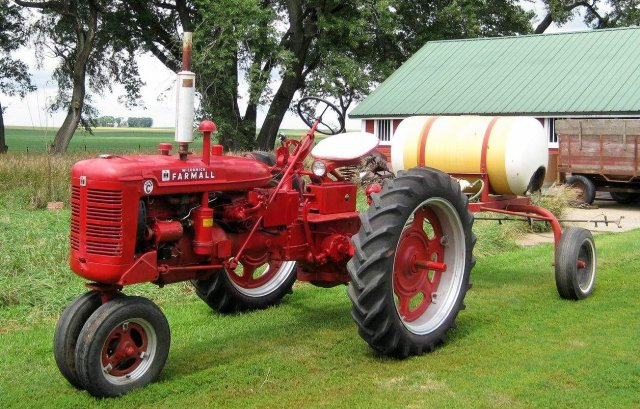1954 International Harvester Farmall Super C