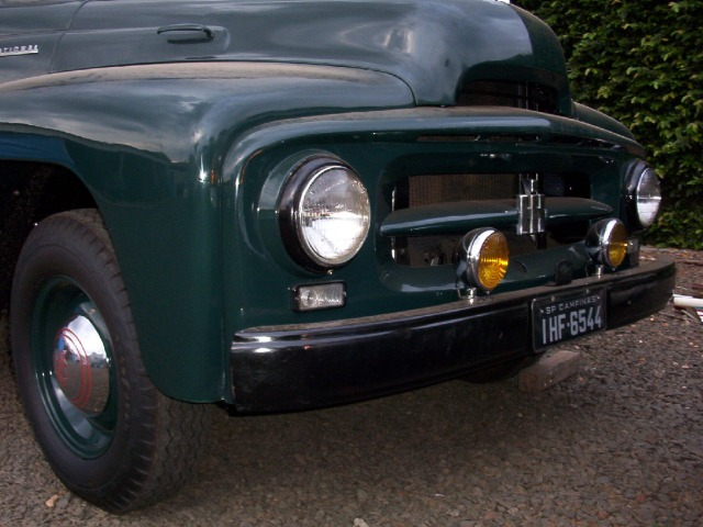 1954 International R110 Front End