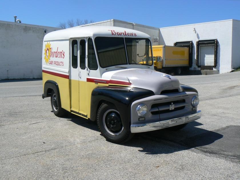 1954 International RA-140 Stand & Drive b