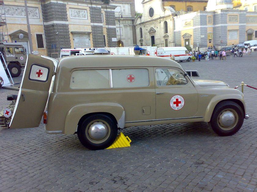 1954 Lancia Appia C86S Autolettiga, guida a sinistra, prodotta dall'aprile 1954 al dicembre 1955 in 18 esemplari. Autoambulanza, usata dalla Croce Rossa Italiana