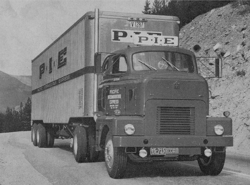 1955 International Harvester DC-405-L PIE