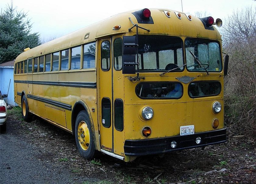 1955 Kenworth-Pacific T-126 school bus