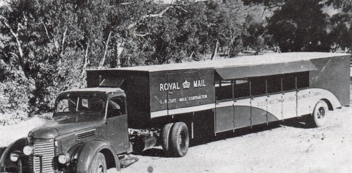 1956 International KS6 Coach