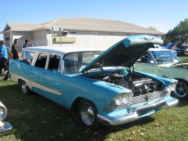 1958 Plymouth Custom Suburban