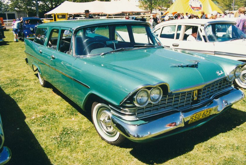 1959 Plymouth DeLuxe Suburban 4-door