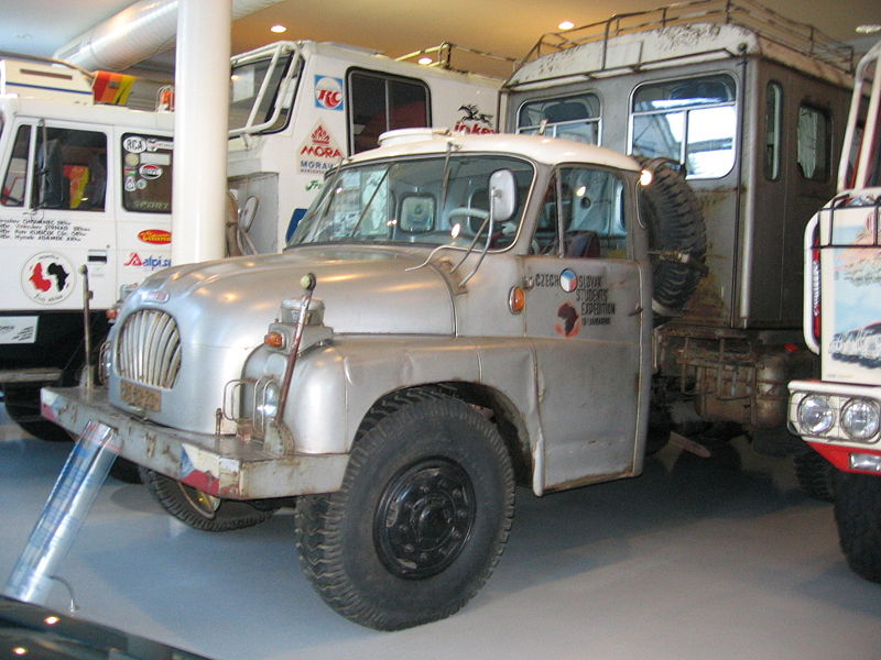 1959 Tatra 138 6x6 VN van expeditie Lambarene