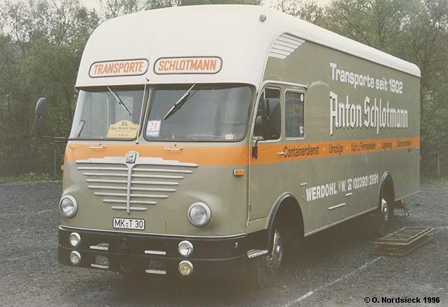 1961 Büssing LU 5-10 Burglöwe Pullmann-Möbelwagen