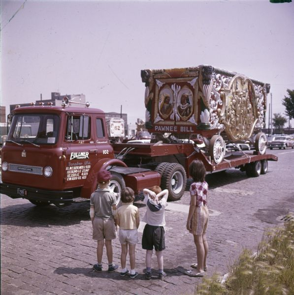 1963 Children with Circus Wagon