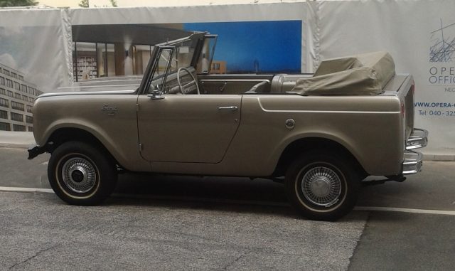 1966–68 International Harvester Scout 800 Sportop convertible IHC-Scout-2