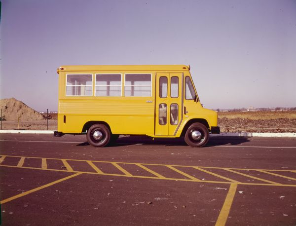 1967 International M-1200 Metro School Bus