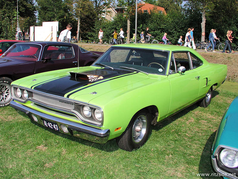 1970 Plymouth Road Runner 440+6 - 2-pillar coupe body