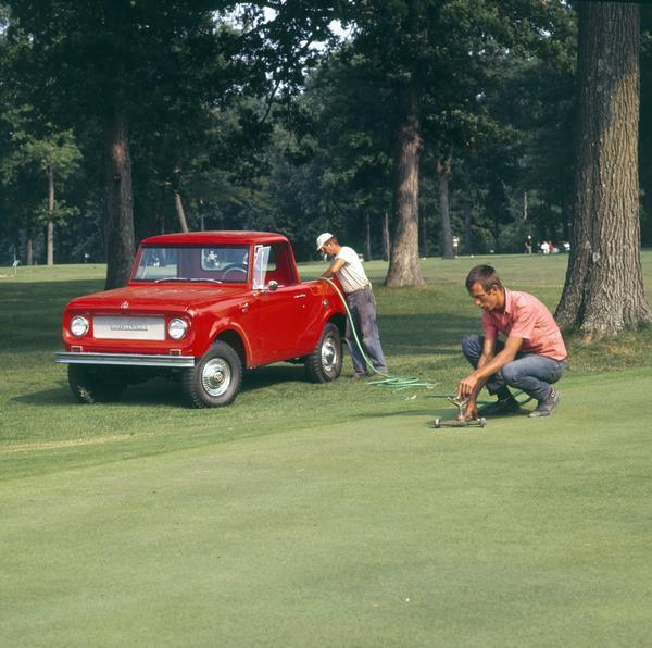 1972 Groundskeepers Water Golf Course Green