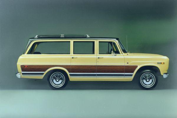 1972 International Travelall Tow Wagon