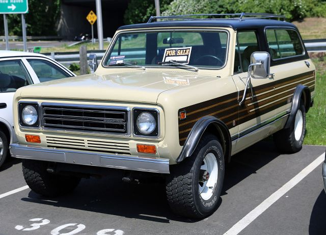 1976-80 IH Scout II Traveller, with the third row of seats