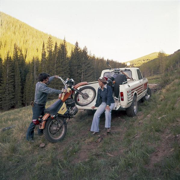 1977 Loading Motorcycles into International Scout Terra Pickup