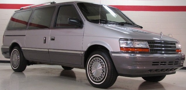 1991 Plymouth Grand Voyager LE minivan