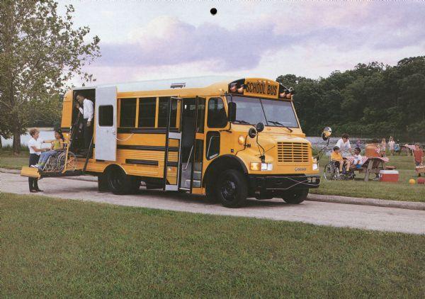 1993 International 3600 Special Needs Bus with Thomas Built Vista Body