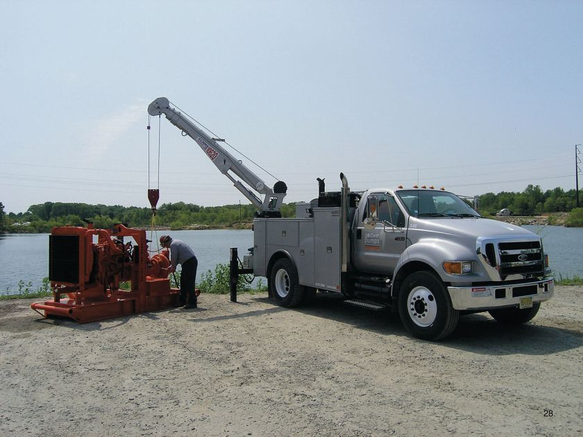 2004-15 F-750 Super Duty in use servicing a water pump