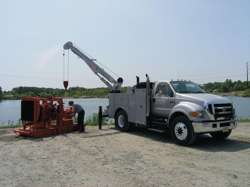 2004-15 F-750 Super Duty in use servicing a water pump