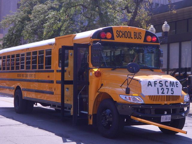 2005 IC Bus CE-Series with an International 3300 chassis