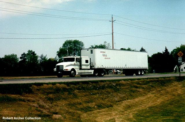 International 9400 hauling