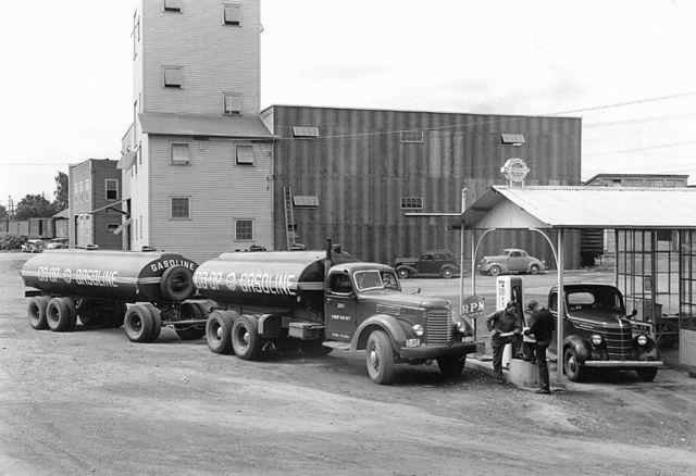 International Harvester coop fuel ih2