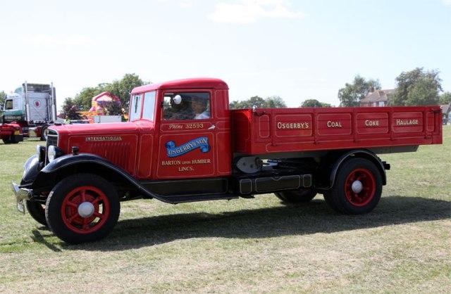 International Harvester lorries Reg No FW 8347.