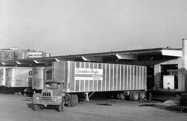 International Harvester with sleeper cabine