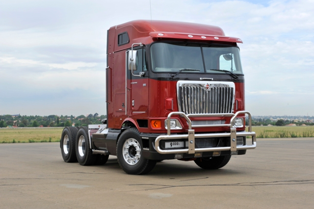 International Trucks Shows Off Refreshed 9800i with New Mid-roof Cab SA