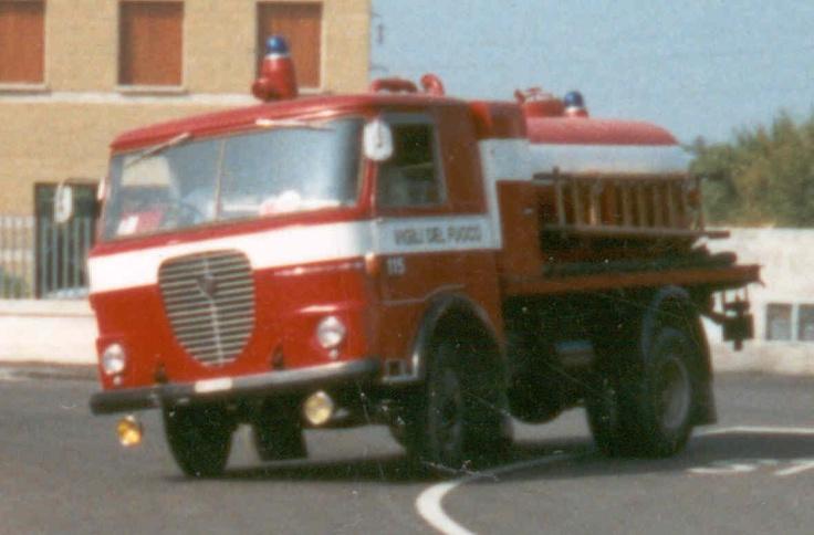 Lancia Esadelta Vigili del Fuoco firetruck