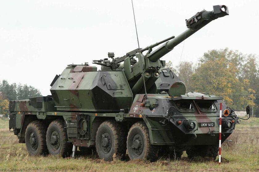 Minister ON w 1 Mazurskiej Brygadzie Artylerii on Tatra T813