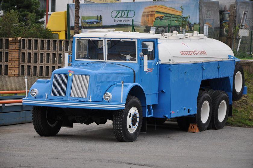 Tatra 111 tankwagen