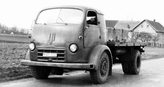 Tatra 147 a