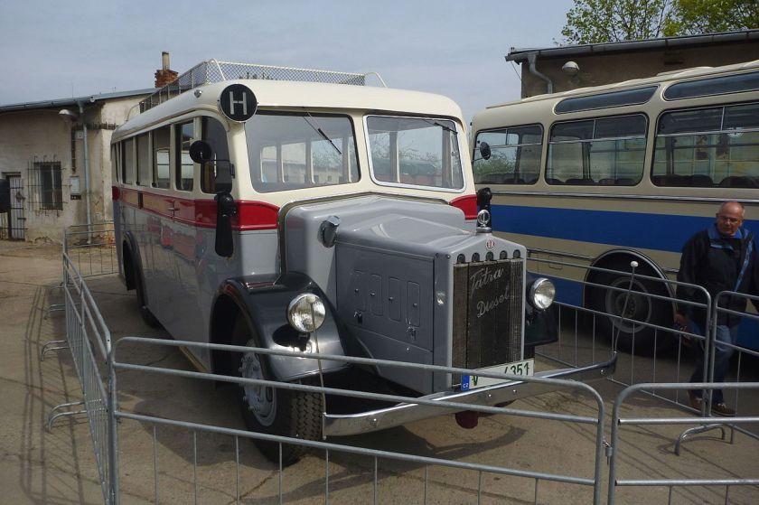 Tatra 27 autobus