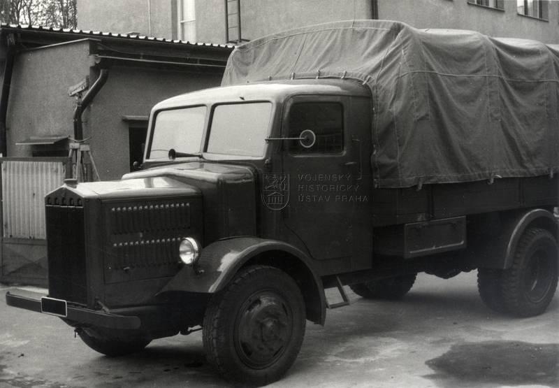 Tatra-27b-ve-sbírkách-VHÚ-01