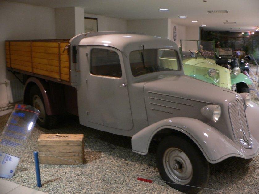 Tatra 43 pickup