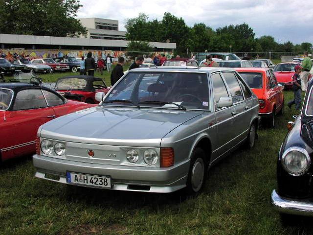Tatra 613-3 V6