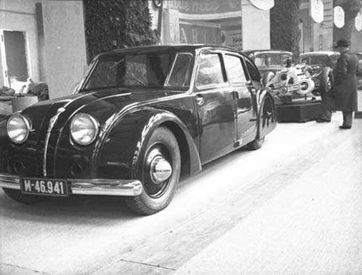 Tatra 77 at Berlin motorshow, note the enigine at the back